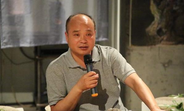 赫兰吊顶董事长齐喜峰.png